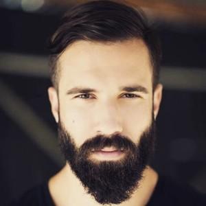 из за чего растет борода