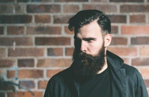 борода растет в одну сторону