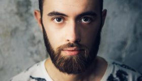 За сколько времени можно отрастить бороду мужчине